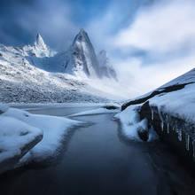 Peaks of Ice