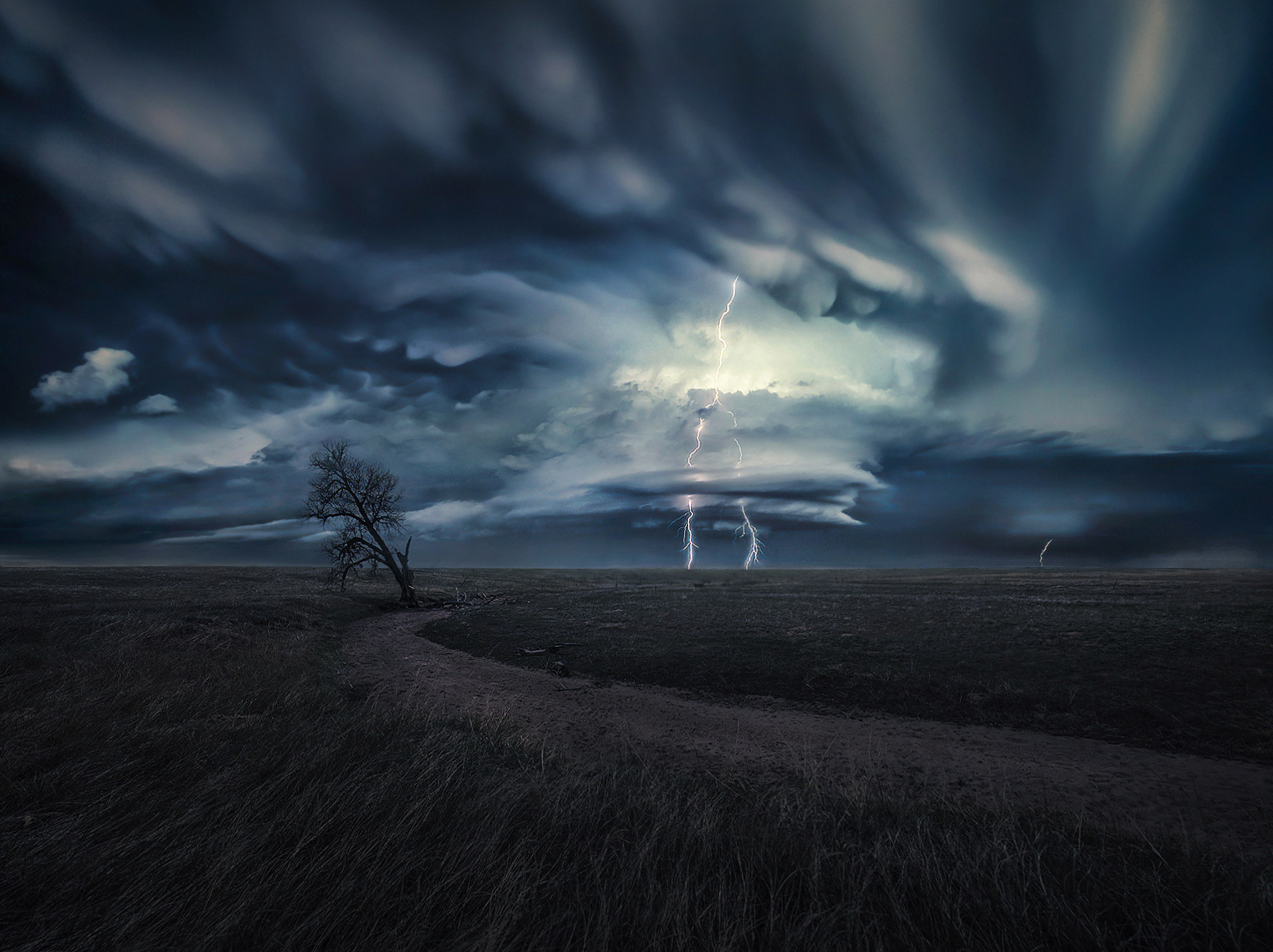 mammatus, clouds, supercell, colorado, lone tree, photo