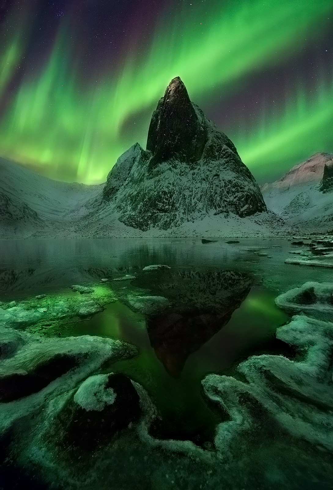 Aurora, Yukon, mountains, october, snow, lake, freezing, aurora, photo