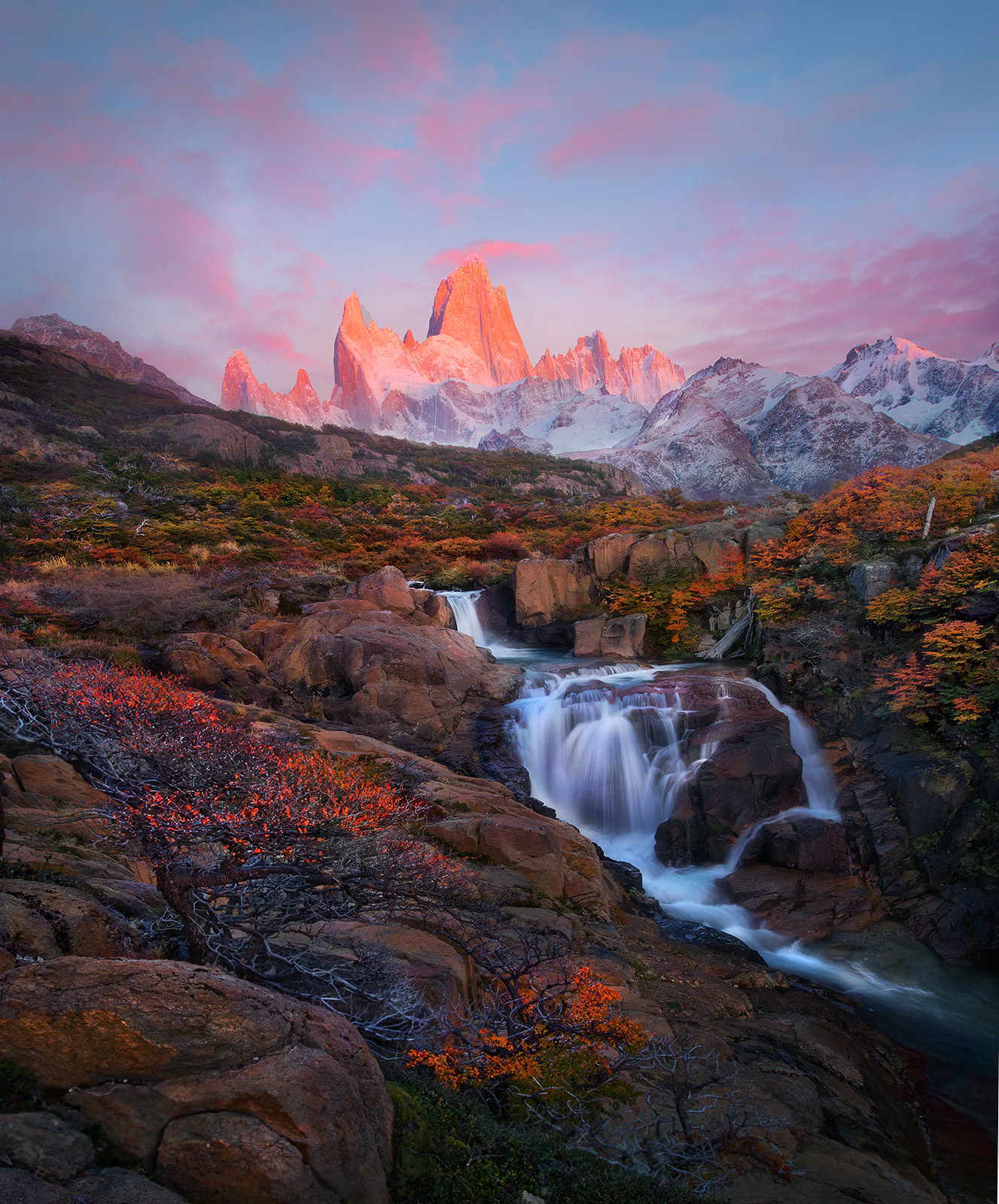 Argentina, Patagonia, Autumn, Fitz Roy, dawn, photo
