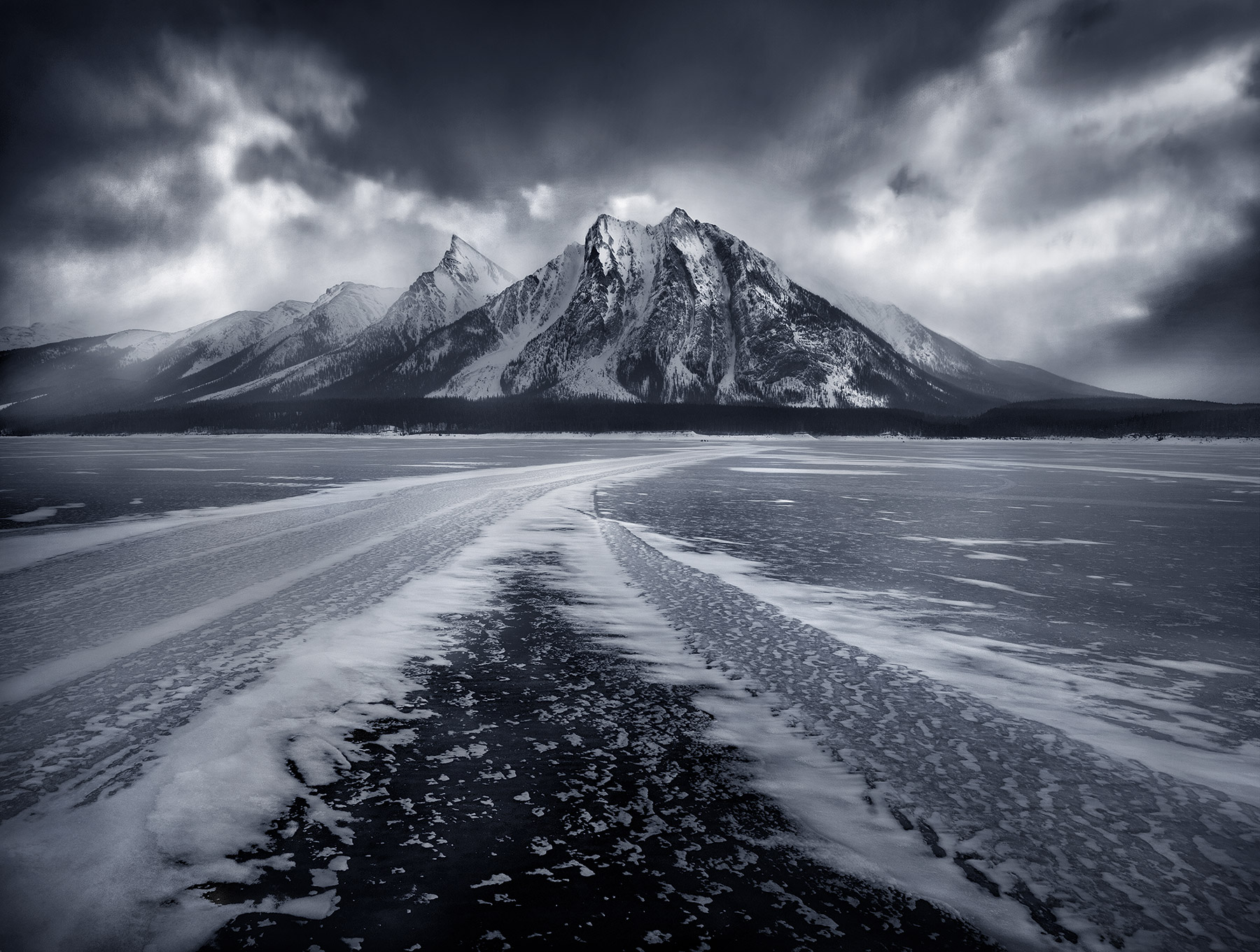Canadian Rockies, Ice, Spray lake, photo