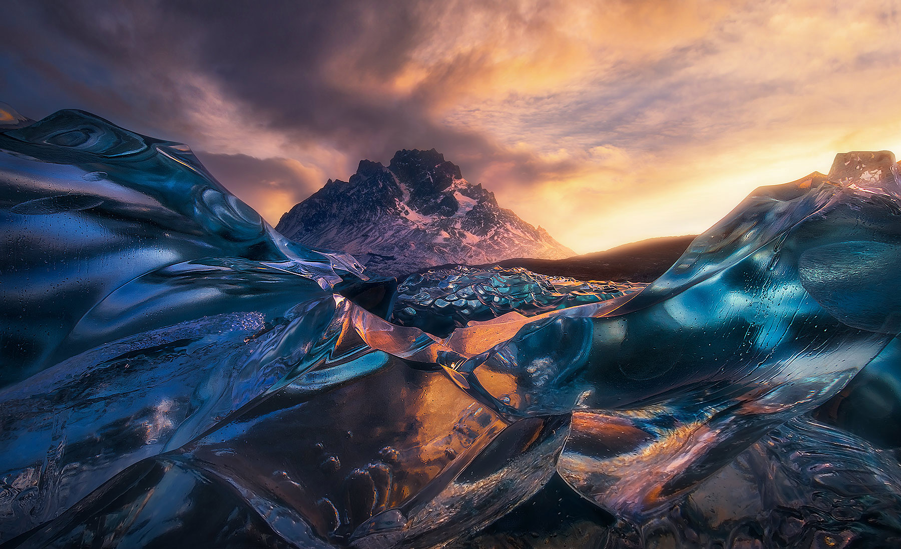 iceberg, patagonia, lago grey, unique, marc adamus, photo