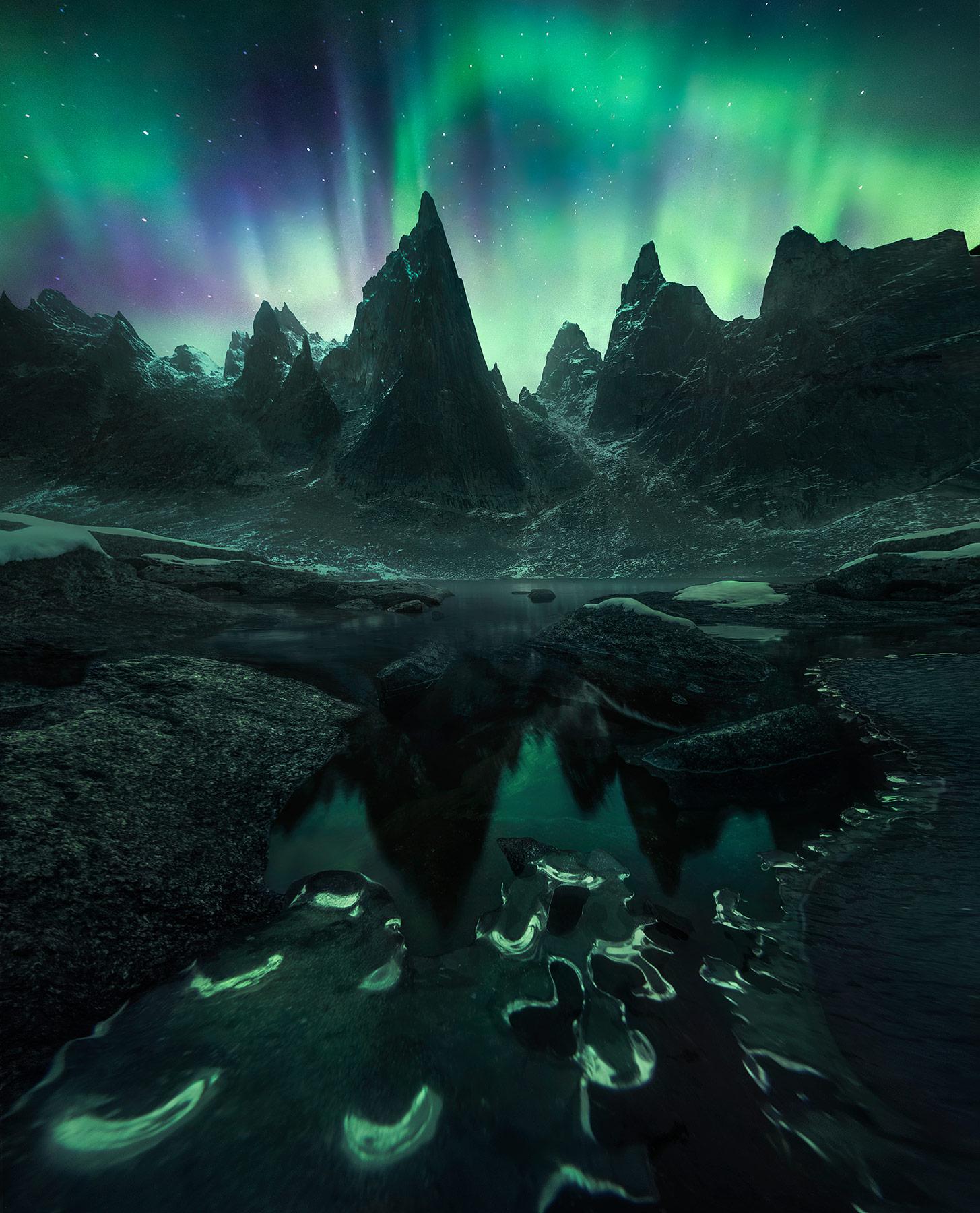 vertical towers Yukon ice frozen aurora, photo