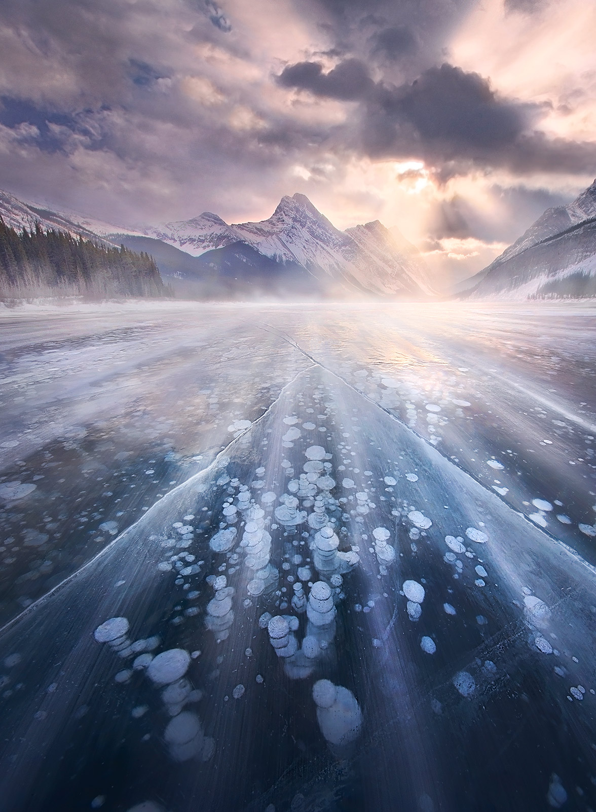 Canadian Rockies, Ice, Lake, Frozen, Bubbles, Peaks, photo