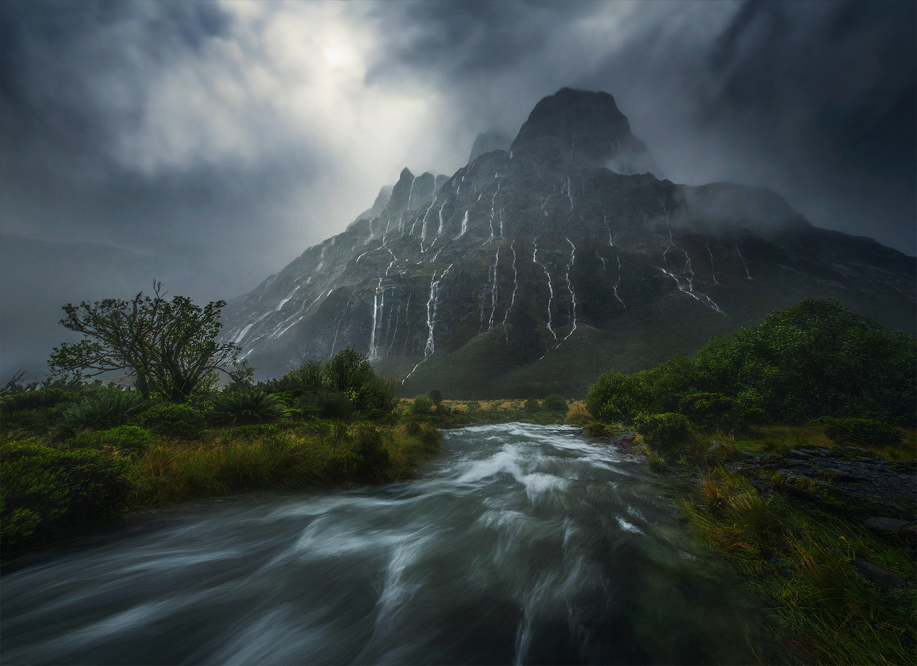 New Zealand, waterfalls, fiordlands, photo