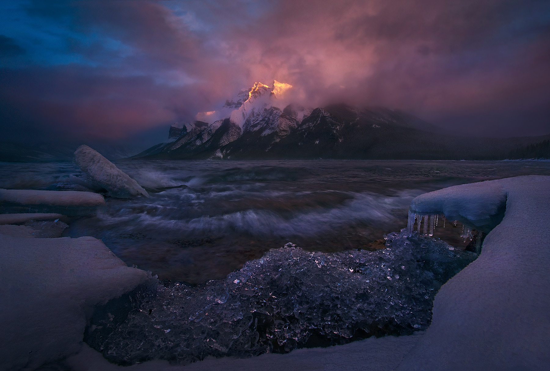 Minnewanka, Canadian Rockies, Storm, Wave, Sunset, Ice, Winter, photo