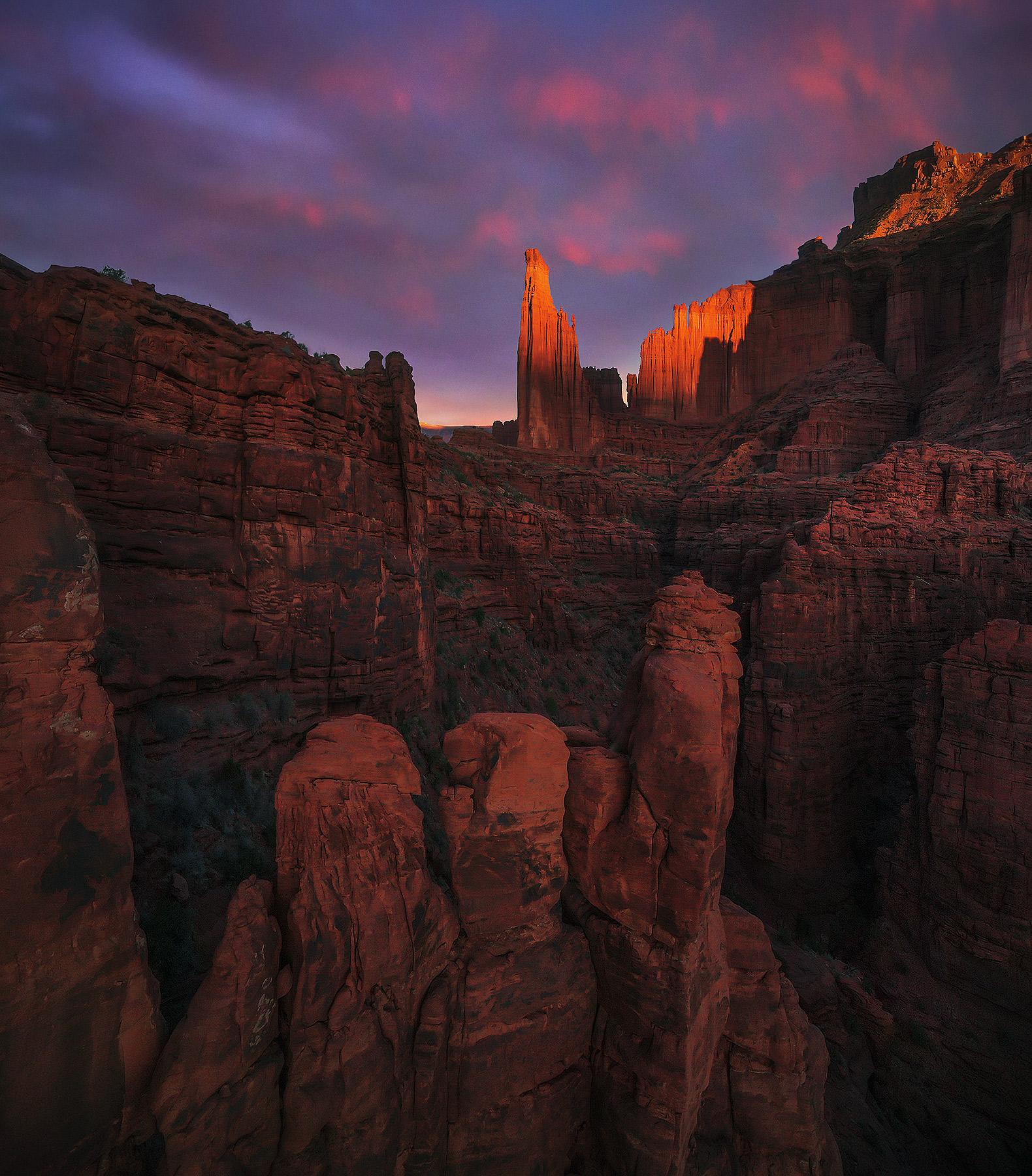 Utah, towers, sunrise, storm, photo