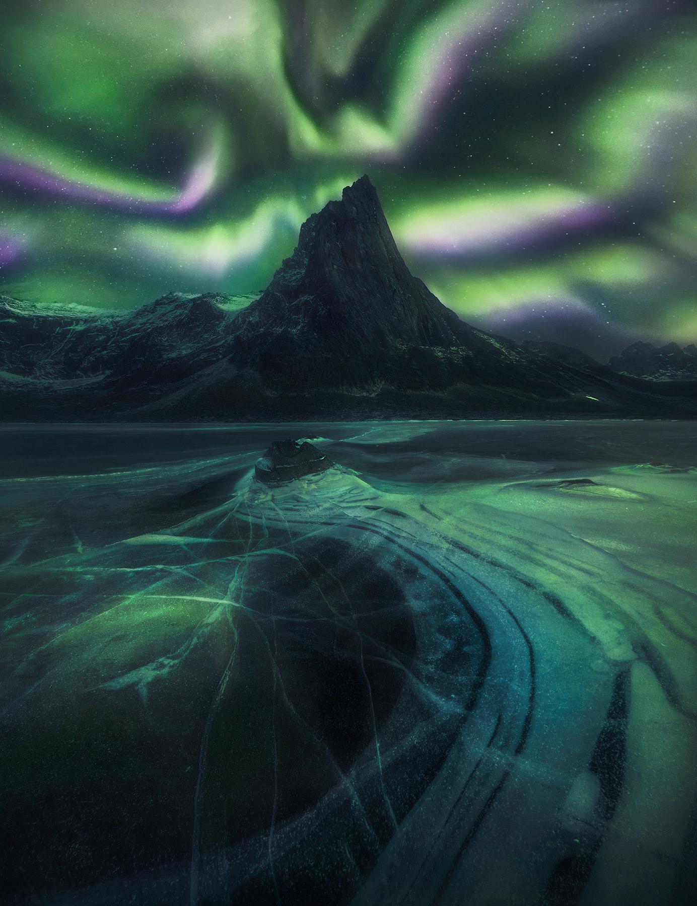 Yukon, aurora, ice, tombstone, photo