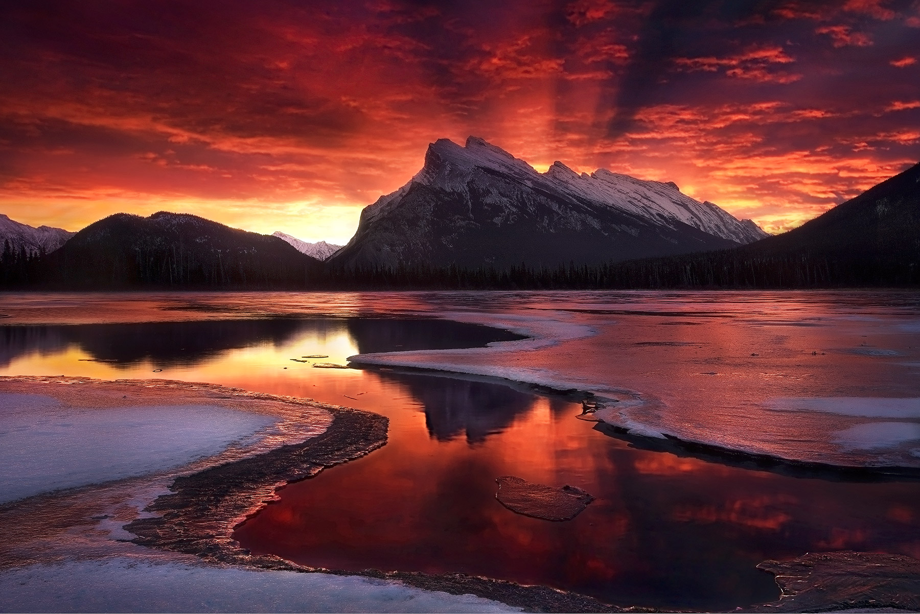 banff, alberta, mount rundle, photo