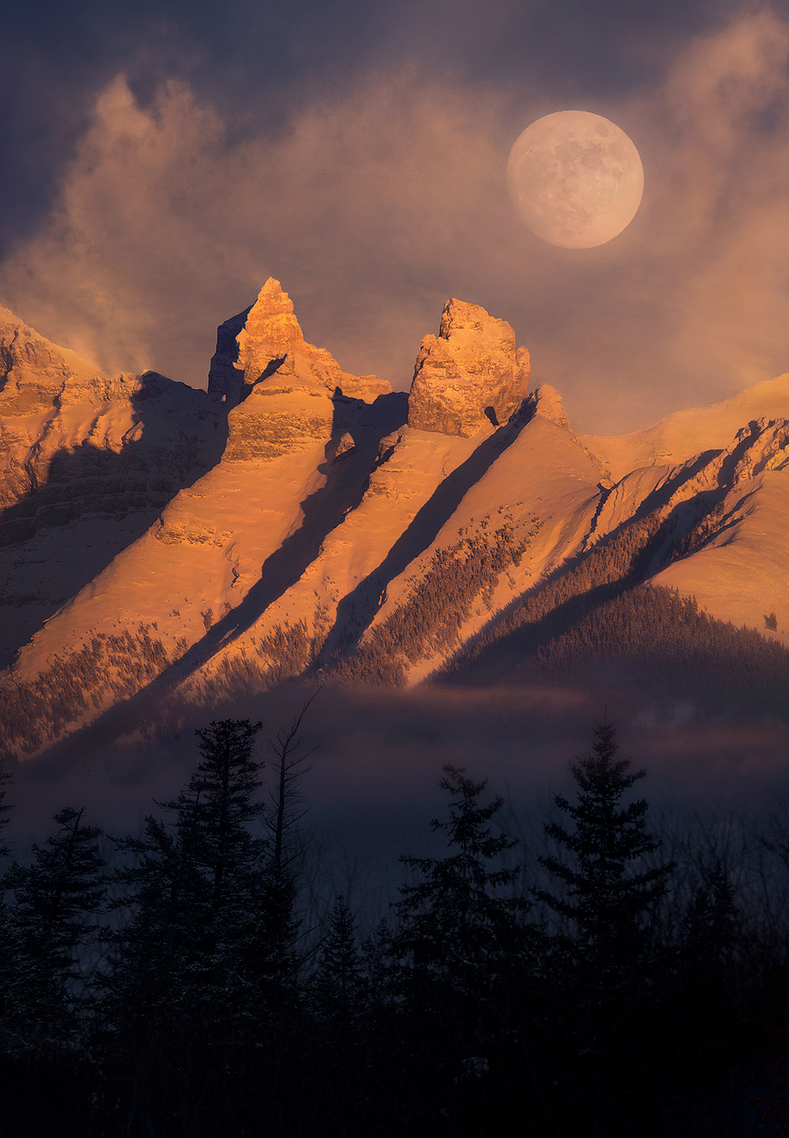 full moon, Banff, Alberta, photo