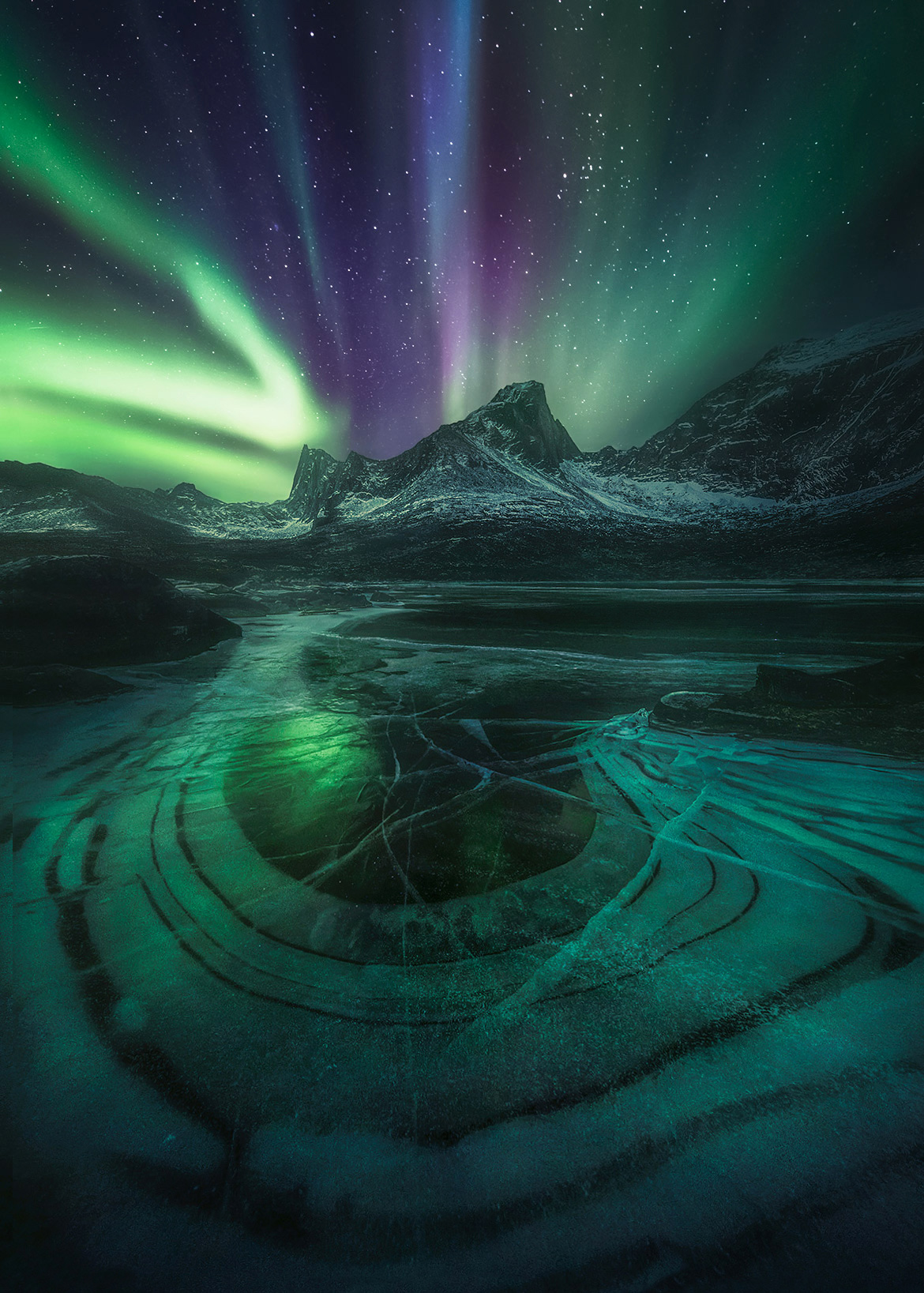 Aurora, Yukon, Ogilvie, mountains, ice, snow, winter, reflection, icy lake, tombstone, photo