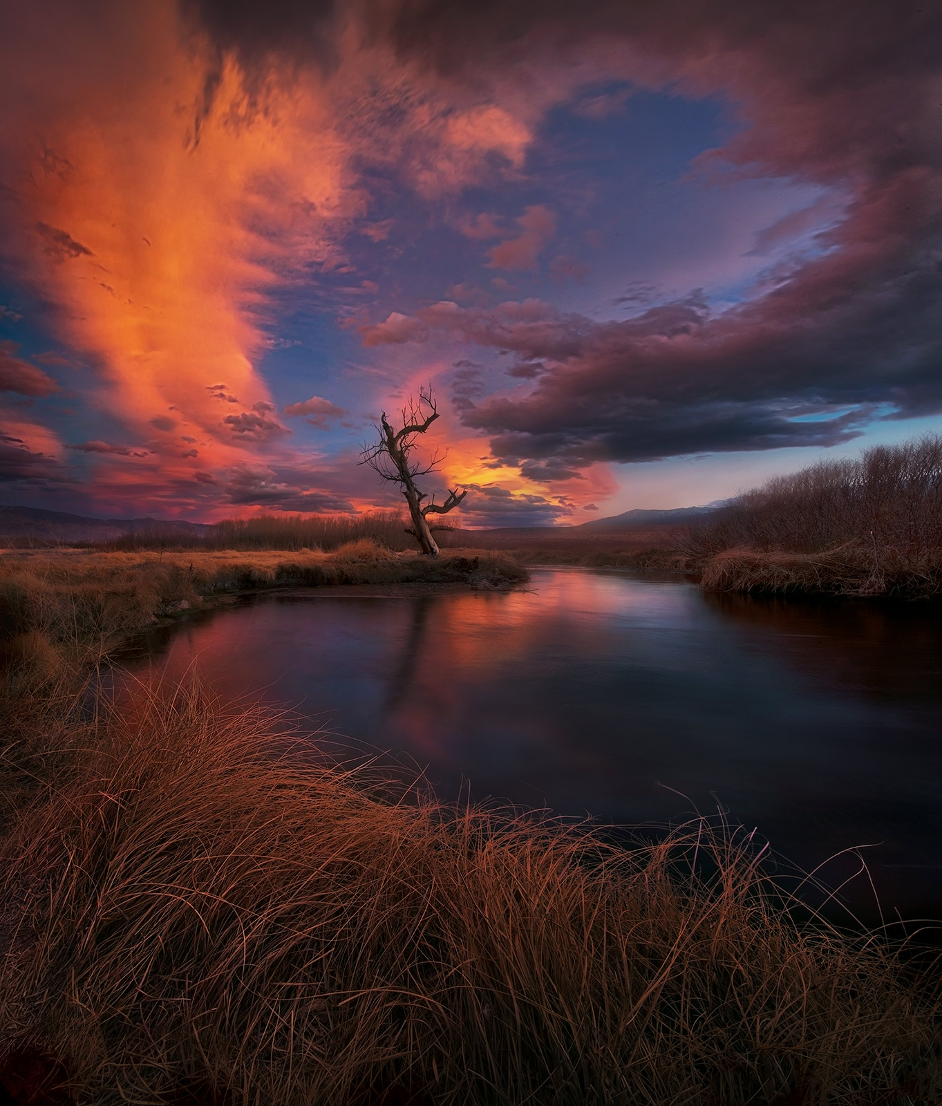 Lenticular, Owens River, California, photo